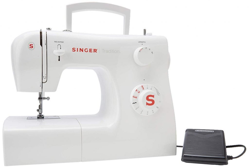 Singer Tradition 2250 con pedal